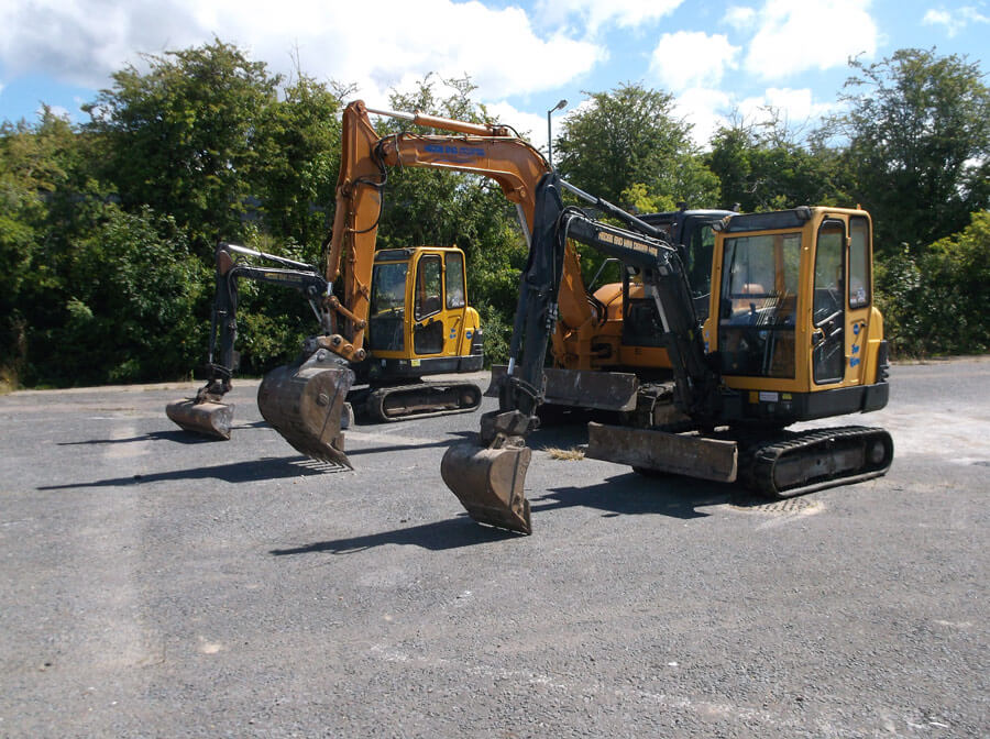 Self Drive/ Driver Operator Mini Digger & Plant Hire Hedge End